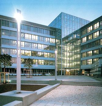 Verwaltungs und baugebäude rossmarkt 18 frankfurt main